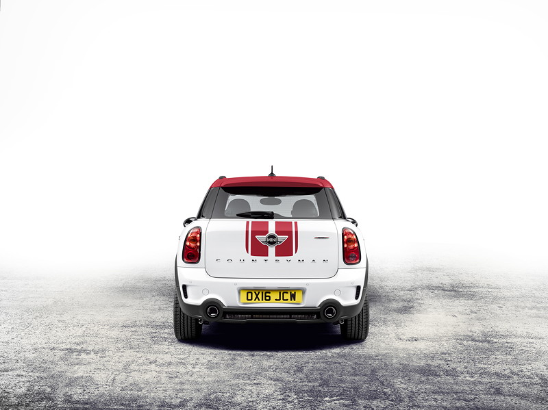 MINI John Cooper Works Countryman (2015).