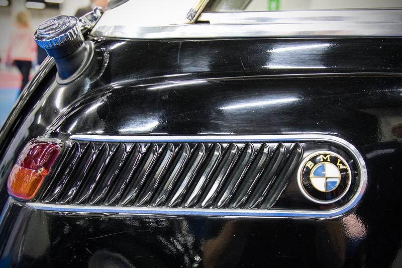 Retro Classics Cologne 2017: BMW 600 Automatik, seitliche Kieme mit BMW Logo.