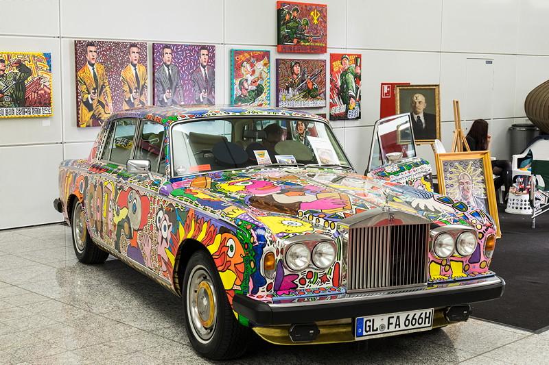 Retro Classics Cologne 2017 mit einem zum Kunstwerk umgestalteten Rolls-Royce