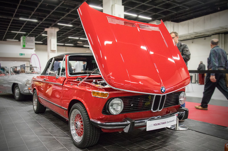 Retro Classics Cologne 2017: BMW 2002 im sehr guten Zustand, Preis: 49.900 Euro.