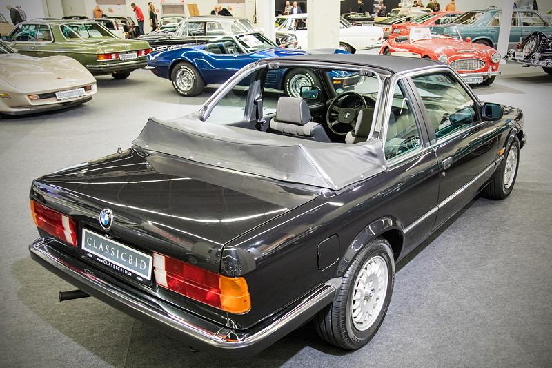Retro Classics Cologne 2017: seltenes BMW 316 (E30) Baur Cabriolet, 90 PS, vmax: 175 km/h.