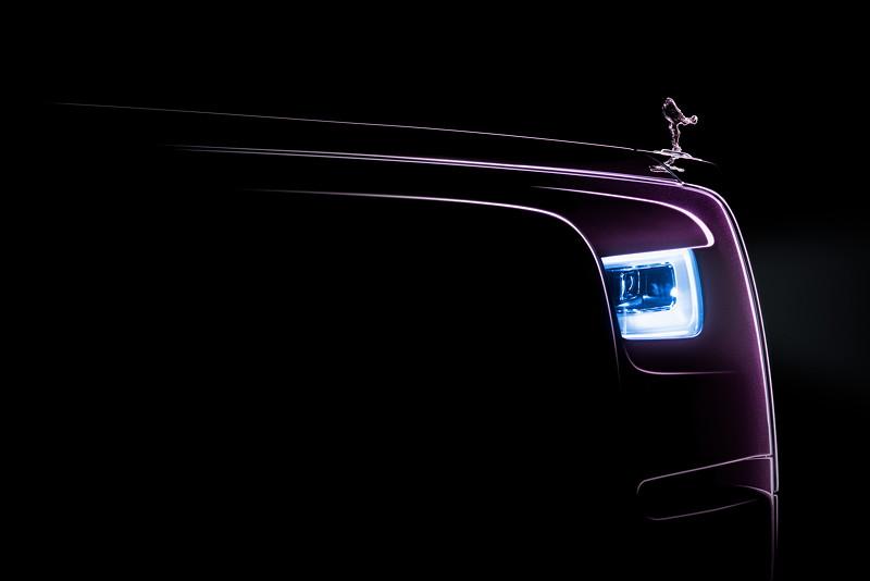 Rolls-Royce Phantom, seitliche Sicht auf Laser-Scheinwerfer und Kühlerfigur