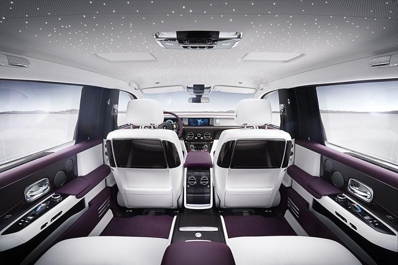 Zum Wohlfühlen: der neue Rolls-Royce Phantom mit feinstem Leder, Sternenhimel und Multimedia-System.