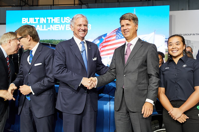 Veranstaltung 25 Jahre BMW Group Werk Spartanburg am 26. Juni 2017. Mitte: Gouverneur Henry McMaster und Harald Krüger, Vorsitzender des Vorstands der BMW AG.