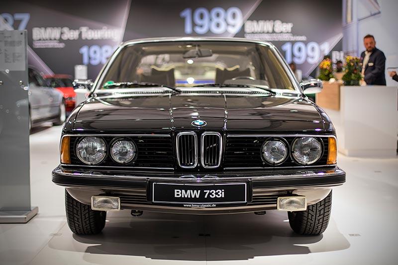 BMW 733i (E23) aus dem Jahr 1977, ausgestellt von BMW Classic auf der Techno Classica 2017