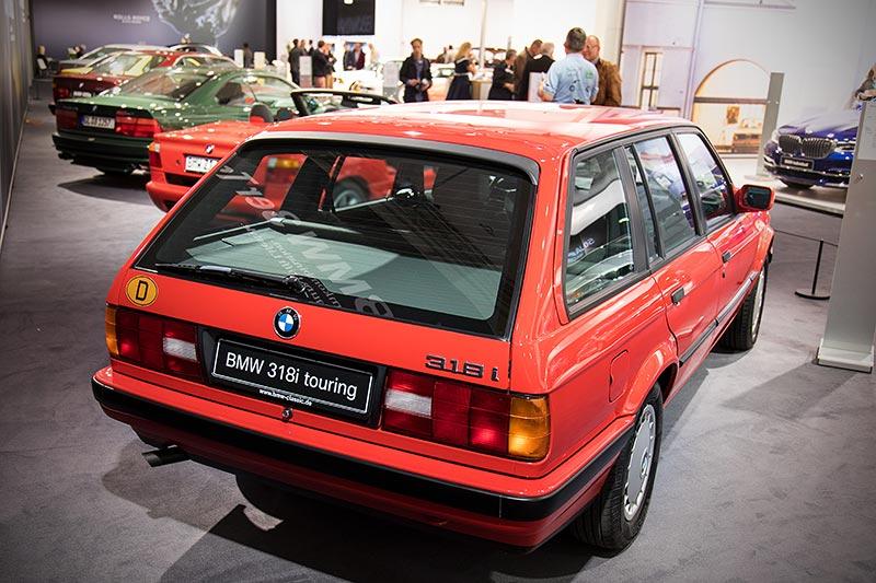 BMW 318i touring, der erste BMW 3er touring, Leergewicht: 1.180 kg