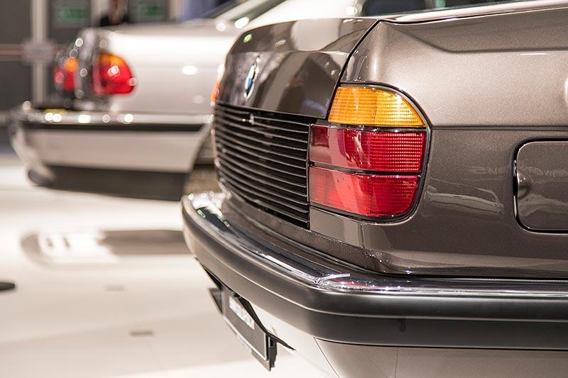 BMW 750iL, V16 (E32), angepasstes Heck aufgrund der Kühlung im Kofferraum