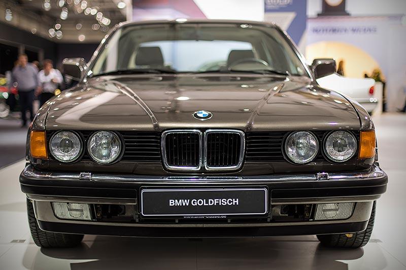 BMW 750iL, V16 (E32), die schmale Niere deutet es an: hier ist kein 750iL als Basis verwendet worden