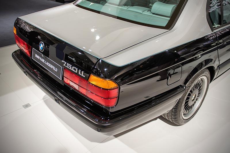 BMW 750iL (E32) by Karl Lagerfeld mit Zweifarbenlackierung in Sterlingsilber und Glanzschwarz