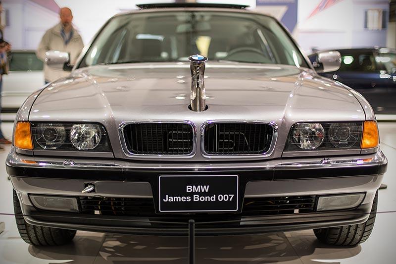 BMW 750iL (E38) James Bond, Fahrzeug aus dem Streifen 'Der Morgen stirbt nie', ausgestellt auf der Techno Classica 2017