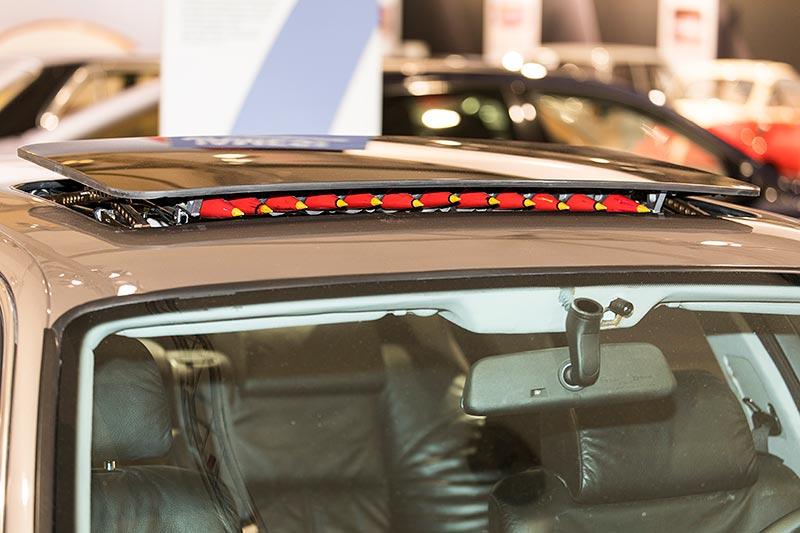 BMW 750iL (E38) James Bond, Raketenwerfer im Schiebedach