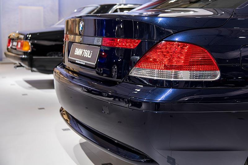 BMW 760Li (E66), das Bangle-Design polarisierte, dennoch wurde die dritte Modellreihe erfolgreicher als seine Vorgänger