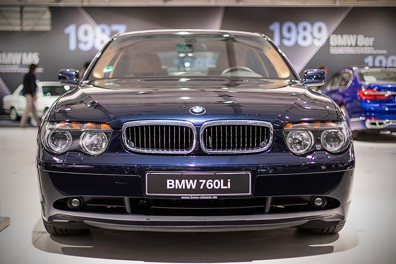 BMW 760Li (E66), mit 445 PS starkem V12-Motor, ausgestellt auf der Techno Classica 2017
