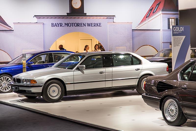 BMW L7 (E38/L7), mit 5.4 Liter V12-Motor und 5-Gang-Automatik-Getriebe