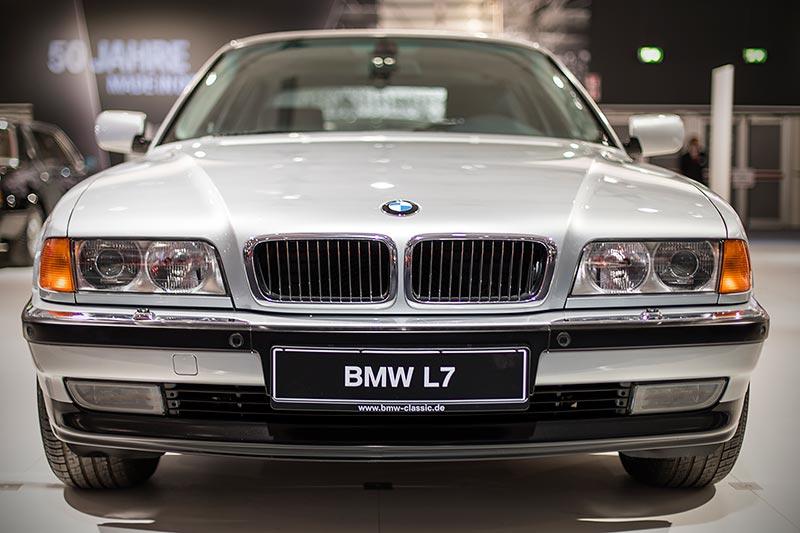BMW L7 (E38/L7), rund 5,40 m lang, ausgestellt auf der Techno Classica 2017