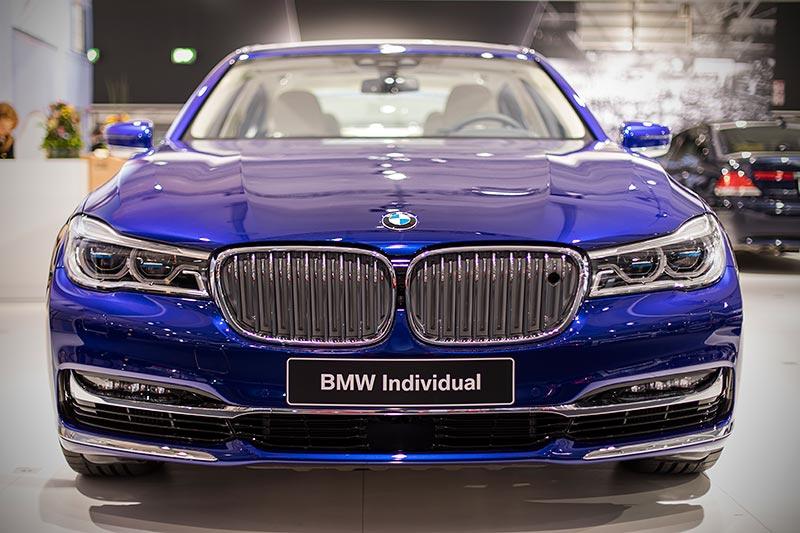 BMW M760Li xDrive Excellence Individual (G12), ausgestellt auf der Techno Classica 2017