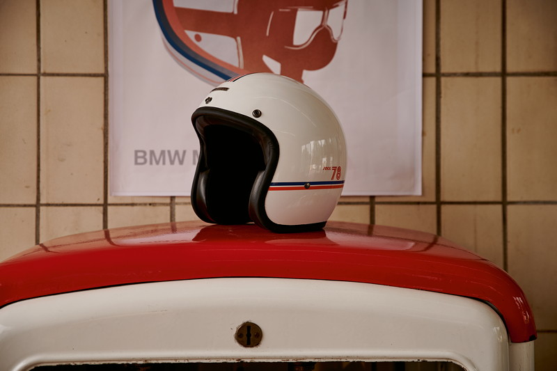 Die neue BMW Motorrad '40 Years Collection'. Jethelm '40 Years'.