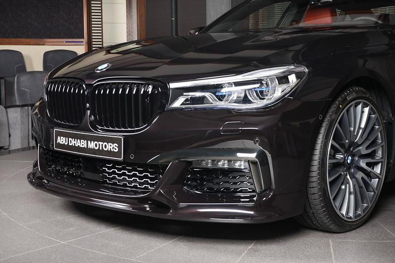 BMW 730Li mit Frontspoiler von der Firma '3D-Design' und BMW M Performance Frontziergitter schwarz.