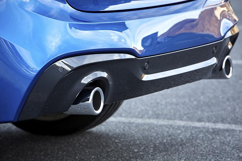 BMW 2er Gran Tourer (Facelift 2018), neu gestaltete Heckschürze mit vergrößerten Endrohren (ab allen 4-Zylindern jetzt zweibordig).