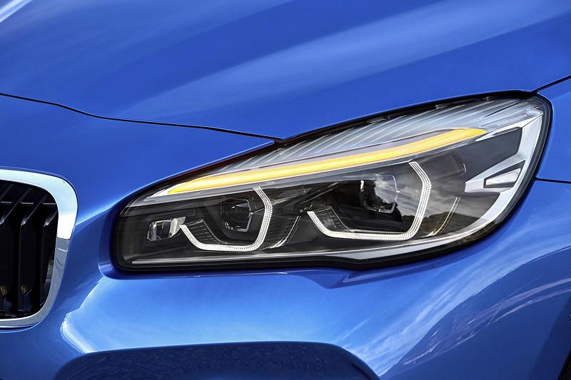 BMW 2er Gran Tourer (Facelift 2018), neu gestaltetes Leuchtendesign bei den optionalen LED- und Adaptiven LED-Scheinwerfern.