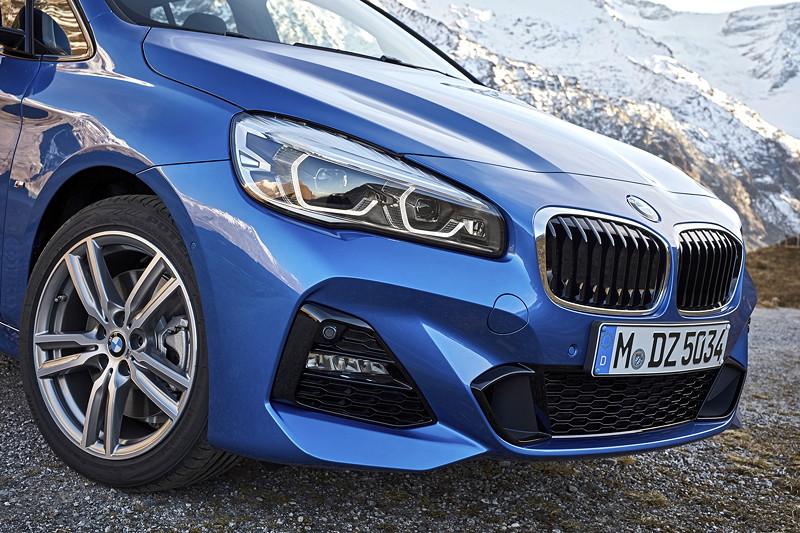 BMW 2er Gran Tourer (Facelift 2018), neue Frontoptik und neu gestaltete LED Nebelscheinwerfer.