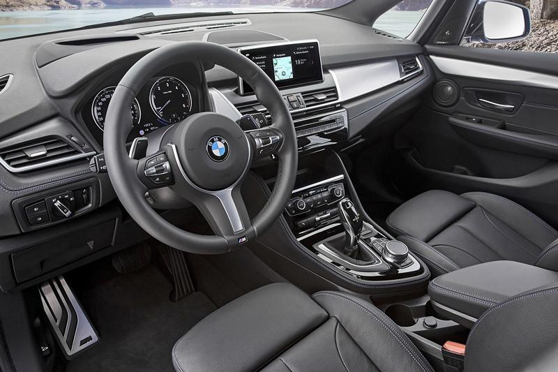 BMW 2er Gran Tourer (Facelift 2018), mit erweiterten BMW ConnectedDrive Services (bereits ab 7/2017).
