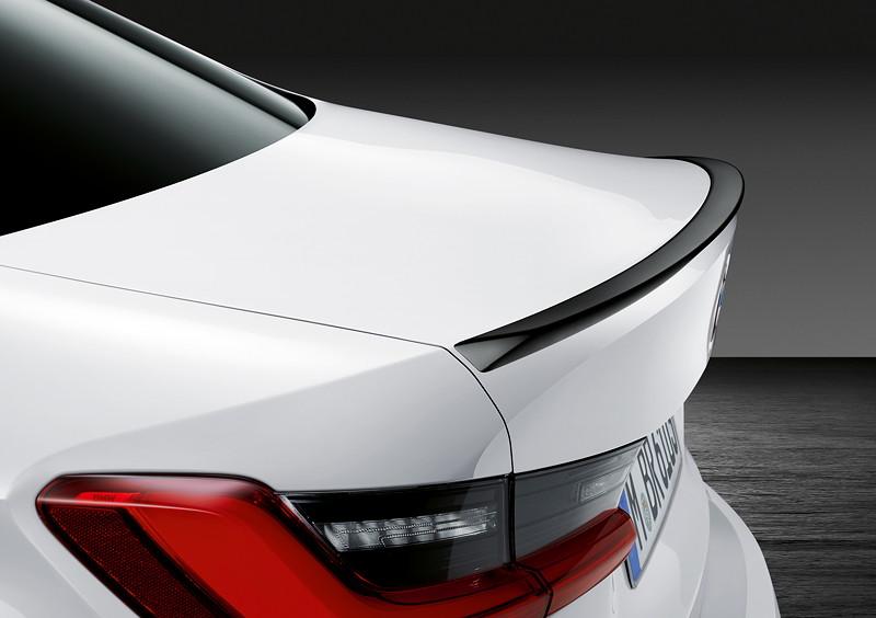 BMW M Performance Parts für den neuen BMW 3er, M Performance Heckspoiler in schwarz hochglänzend.