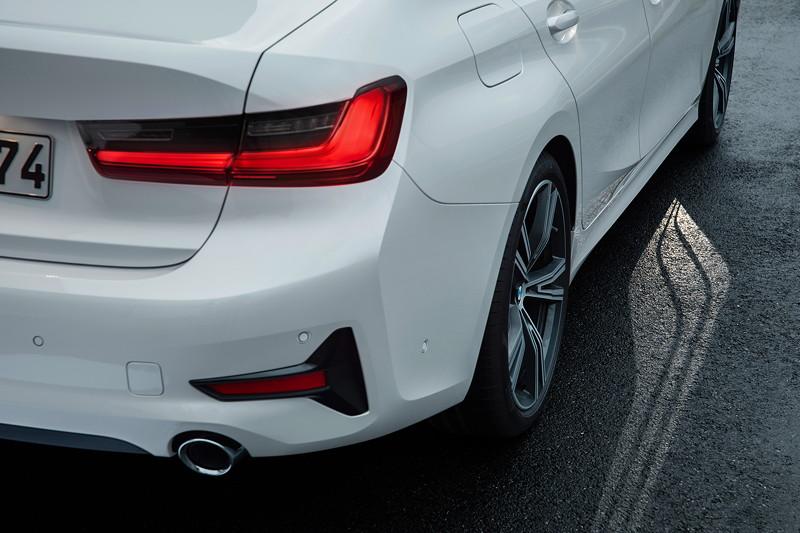 BMW 3er Limousine - Modell Sport Line, Licht-Teppich (bekannt aus dem 7er, G11)