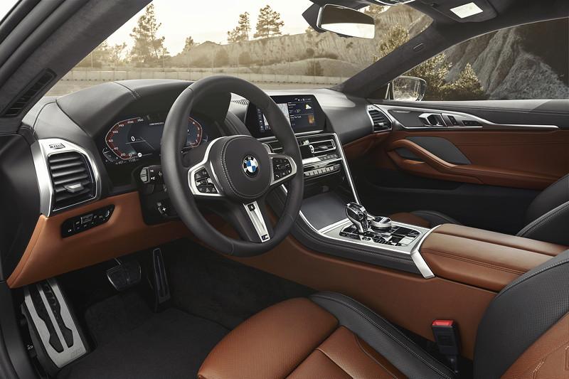 BMW 8er Coupé, Interieur