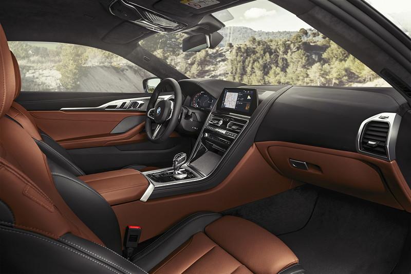 BMW 8er Coupé, Interieur vorne