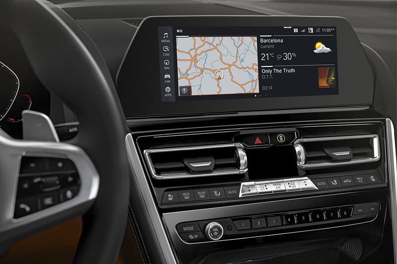 BMW 8er Coupé, 10,25 Zoll großes Control Display mit einheitlicher, moderner Grafikdarstellung
