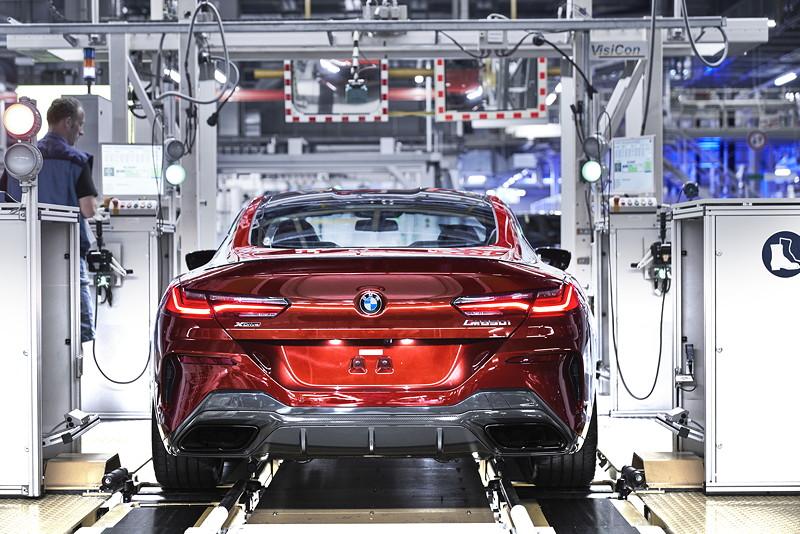 Das neue BMW 8er Coupé auf dem Prüfstand im BMW Group Werk Dingolfing