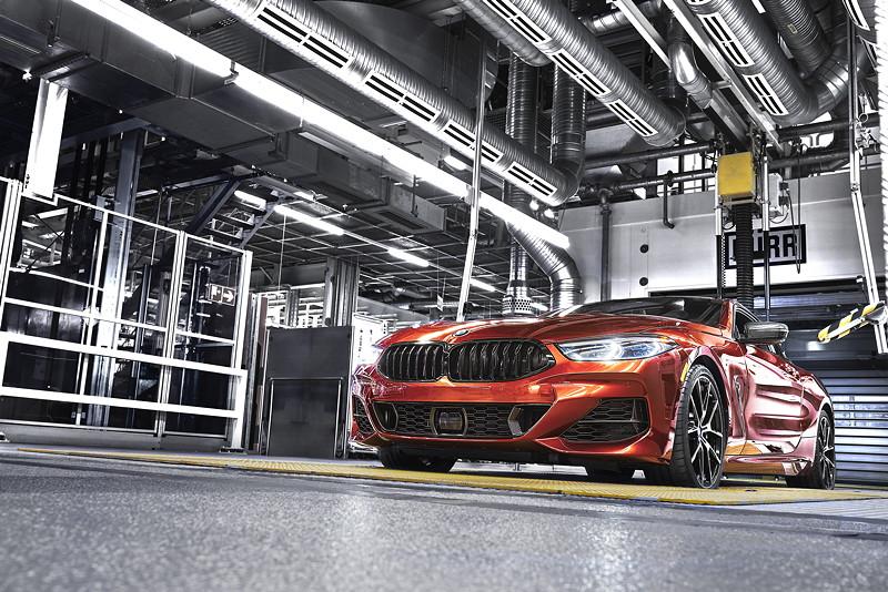 Das neue BMW 8er Coupé auf dem Prüfstand im BMW Group Werk Dingolfing.