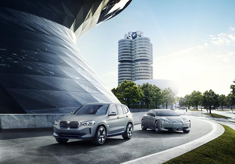 BMW Concept iX3 und BMW i Vision Dynamics
