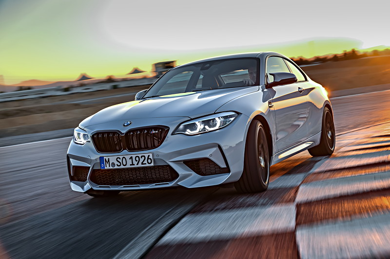 BMW M2 Competition in neuer, exklusiver Lackierung Hockenheim Silber metallic