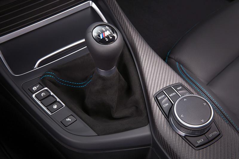 BMW M2 Competition, Schalthebel und iDrive Touch-Controller