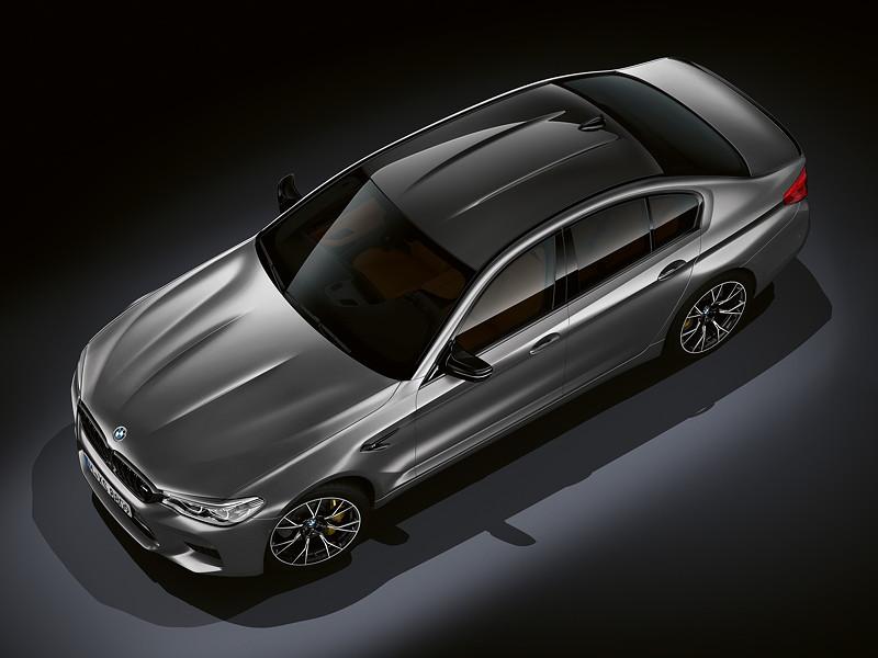 BMW M5 Competition, Dach aus kohlefaserverstärktem Kunststoff (CFK)