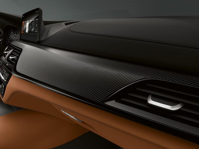 BMW M5 Competition, Innenraum mit Carbon Blenden