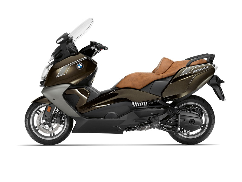 BMW C 650 GT, Option 719 Sparkling Storm metallic mit Option 719 braune Sitzbank.