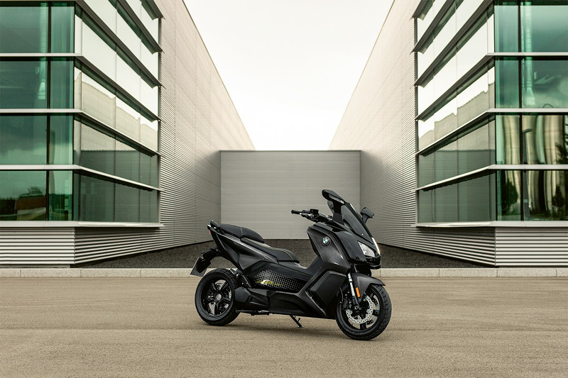 BMW C evolution, Mineralgrau metallic / Schwarz.