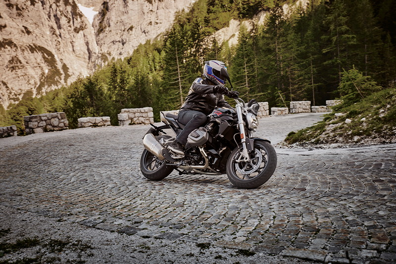 BMW R 1250 R Blackstorm metallic