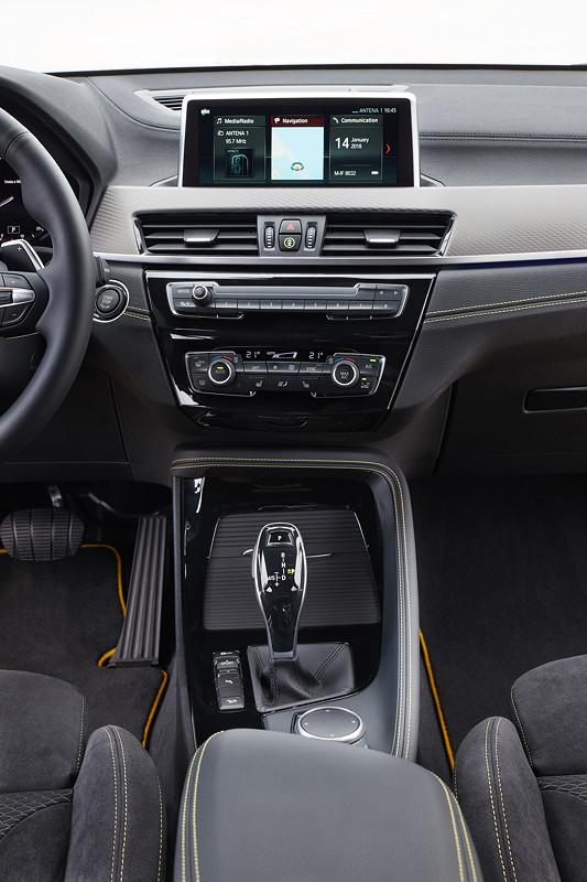 BMW X2, Mittelkonsole