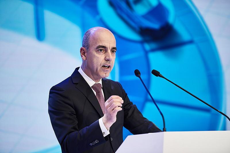 Dr. Nicolas Peter (Mitglied des Vorstands der BMW AG, Finanzen)