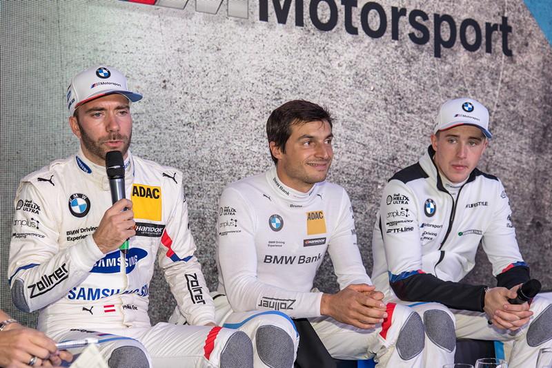 DTM in Spielberg, 23.09.2018. BMW Werksfahrer Philipp Eng, Bruno Spengler und Joel Eriksson im Gespräch.
