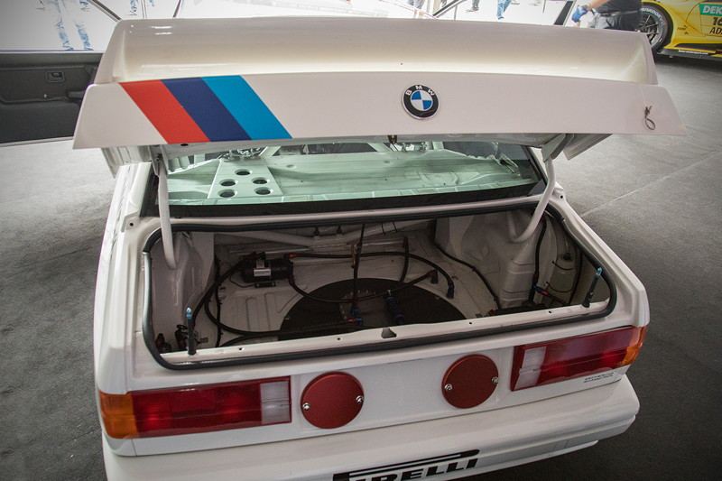 DTM in Spielberg, 23.09.2018. BMW M3 DTM Gruppe A (E30), Blick in den Kofferraum.