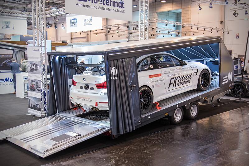 Essen Motor Show 2018: Moetefindt Autoanhänger mit BMW M4 an Bord