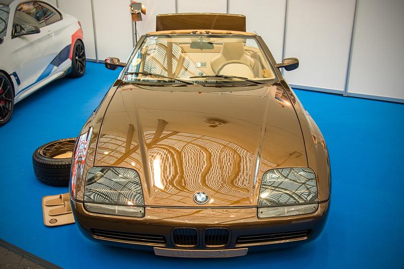 BMW Z1 (Modell E30/Z1), Baujahr: 1991, Motor:E30 'M20' Motor, Leistungssteigerung auf 220 PS, div. Teile lackiert und mit Leder bezogen