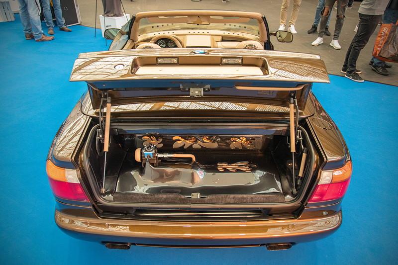 BMW Z1, Showausbau im Kofferraum