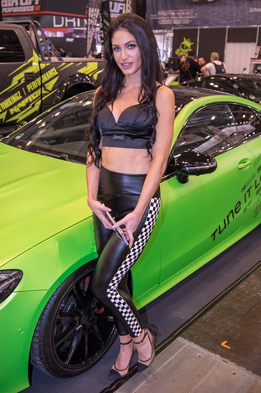 Essen Motor Show 2018: Messe-Girl