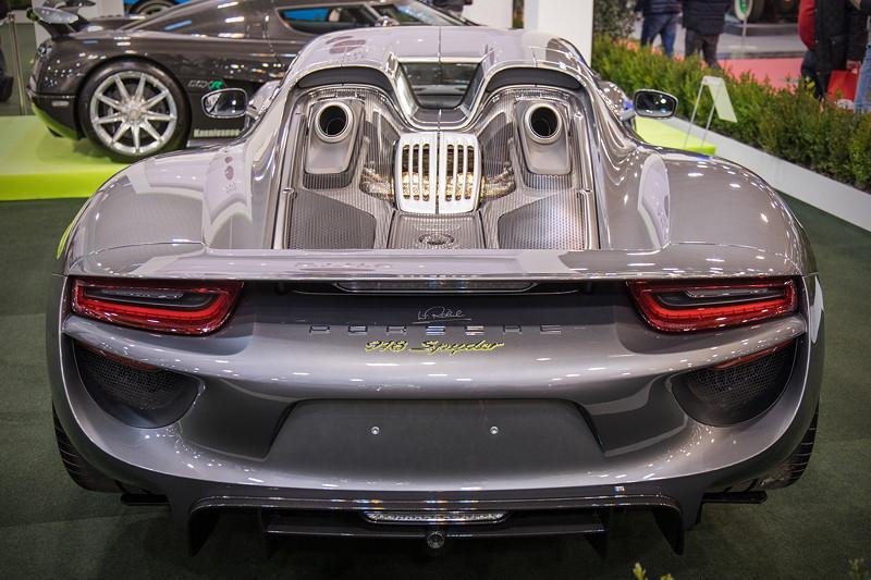 Porsche 918 Speyder, beschleunigt in 2,6 Sekunden von 0 auf 100 km/h